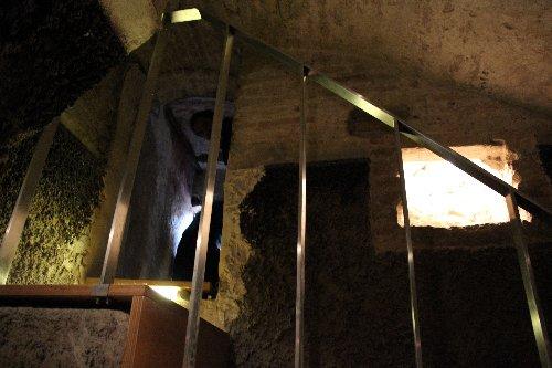 L'ingresso alla Cisterna delle 13 Cannelle | Fontana del Calamo