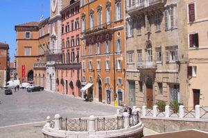 La storia di Piazza del Plebiscito (detta Piazza del Papa)